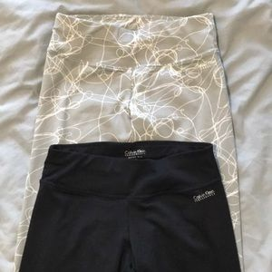 2 pairs of Calvin Klein cropped quick dry leggings